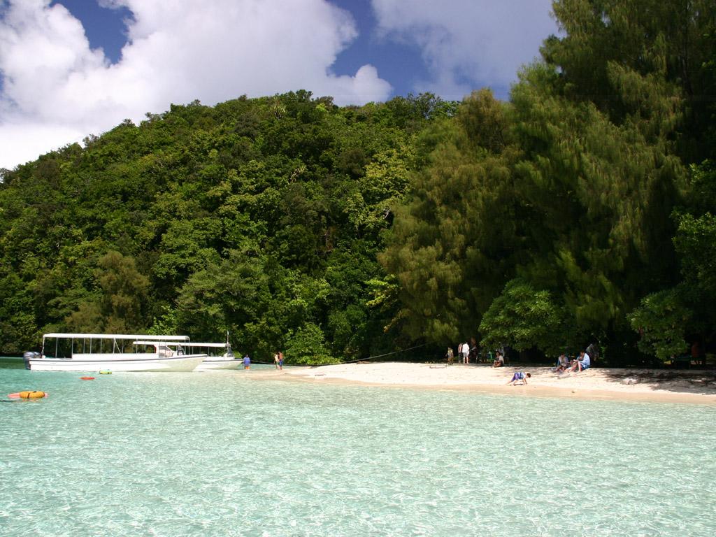 ガルメアウス島 写真無料壁紙素材 ガルメアウス島の壁紙 ビーチ写真壁紙 > パラオの壁紙 > ガ